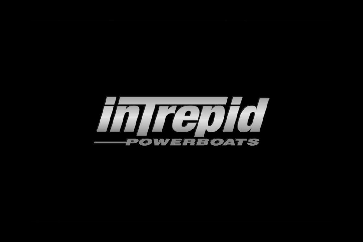 360 VR Virtual Tours of the Intrepid 390 Sport Yacht – VRCLOUD