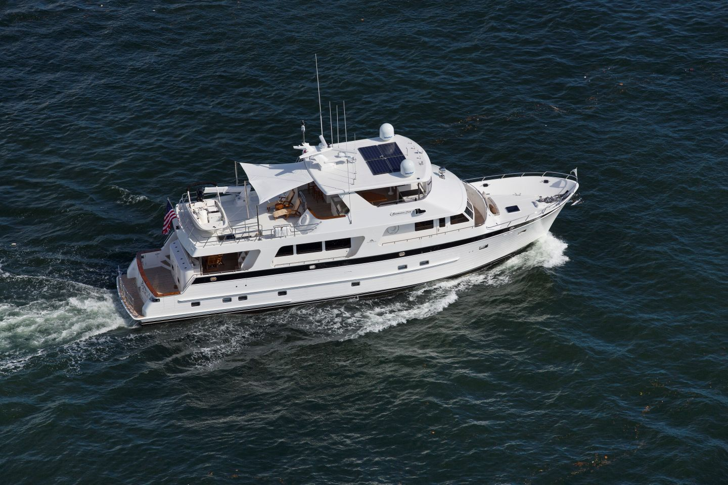 360 VR Virtual Tours of the Outer Reef 820 Cockpit Motoryacht – VRCLOUD