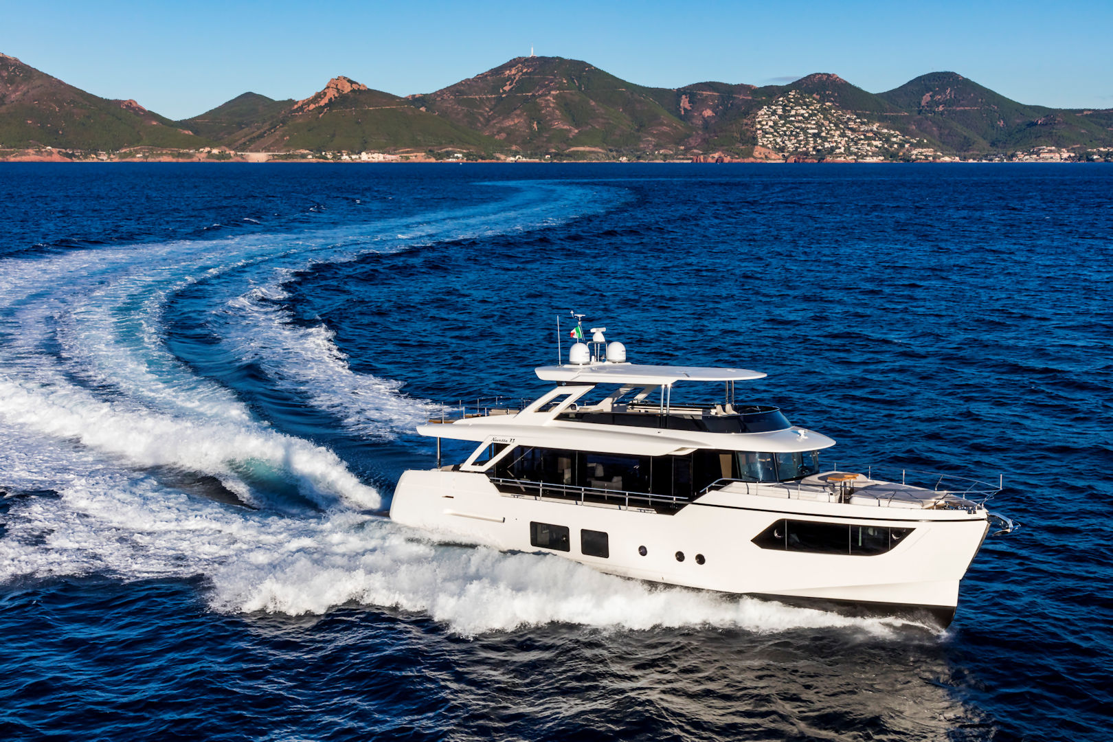 360 VR Virtual Tours of the Absolute Navetta 73 – VRCLOUD