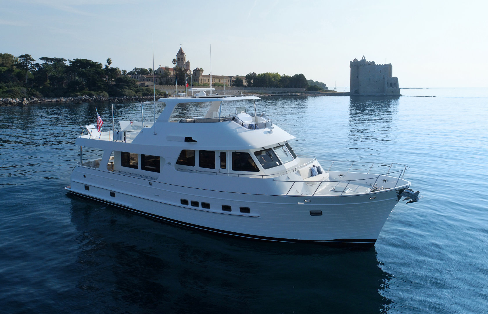 360 VR Virtual Tours of the Outer Reef 640 Motoryacht – VRCLOUD
