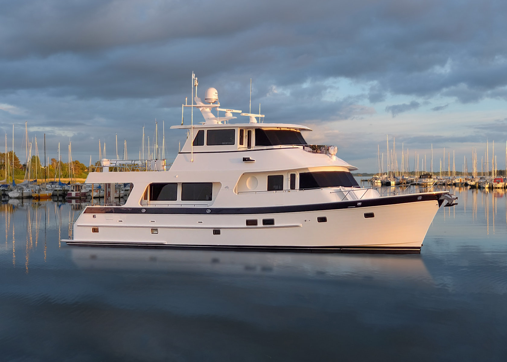 360 VR Virtual Tours of the Outer Reef 720 DeluxBridge Motoryacht – VRCLOUD